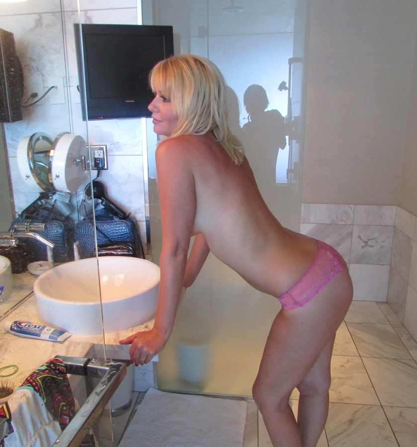 Was the ginger lynn nude ALL